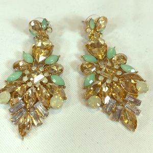 Ann Taylor mint & champagne costume earrings